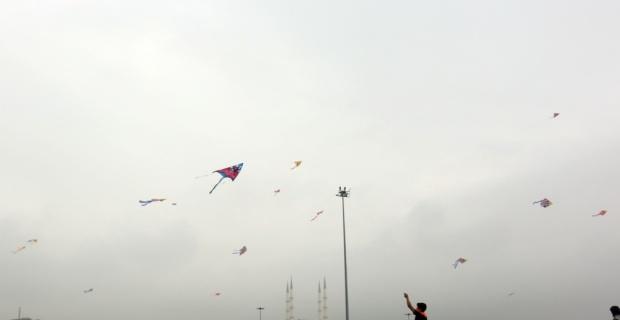 Sığınmacı çocuklar uçurtma şenliğinde buluştu