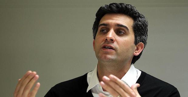 Ünlü Oyuncu Memet Ali Alabora Hakkında Tutuklama Kararı Çıkarıldı