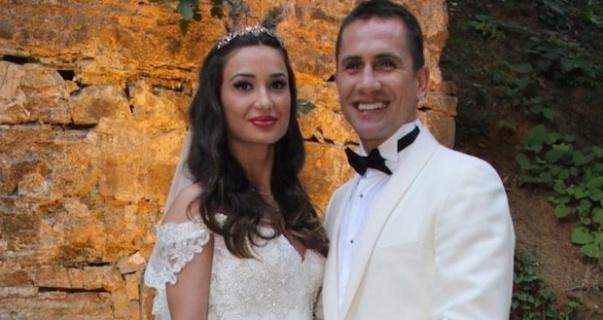 Eşi Emre Aşık'ı 'FETÖ'ye üye olmak' suçundan ihbar etti