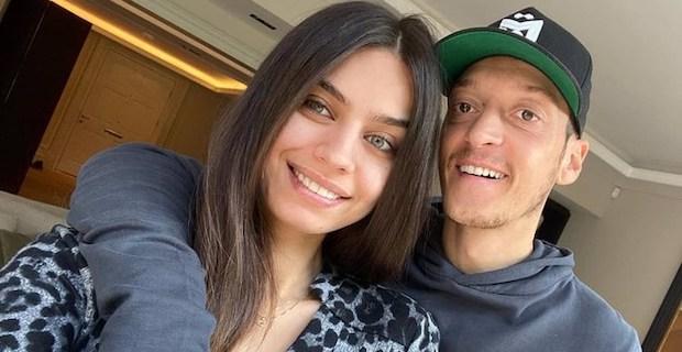 Mesut Özil ve Amine Gülşe çiftinin bebeği doğdu