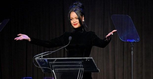 Rihanna: Ne albümü, burada dünyayı kurtarıyorum