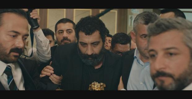 Ahmet Kaya'nın hayatından kesitlerinin konu alındığı film, İki Gözüm Ahmet sonunda izleyicisi ile buluşuyor