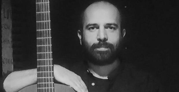 Emrah Koçak,G F Handel'in sonatını klasik gitara uyarladı