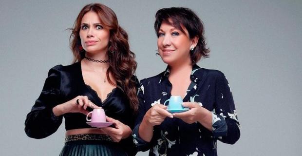 Plastik Aşklar yeniden tiyatro seyircisi ile buluşuyor, Oya Başar ve Begüm Birgören'in başrollerde