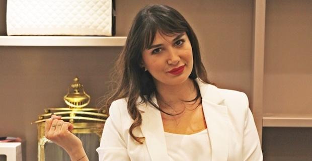 Nilay Dorsa aldığı 7 bin liralık şık çantasıyla alışverişi tamamladı
