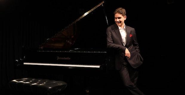 Türkiye'nin en genç caz piyanisti Hakan Başar RFG Londra Caz Festivali'nde