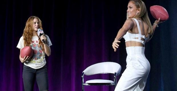 Jennifer Lopez ve Shakira'dan Super Bowl'da Kobe Bryant anması