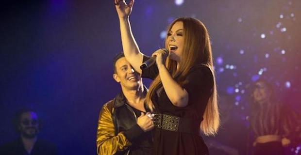 Mustafa Sandal, konserinde İzel'in hayalini gerçekleştirdi