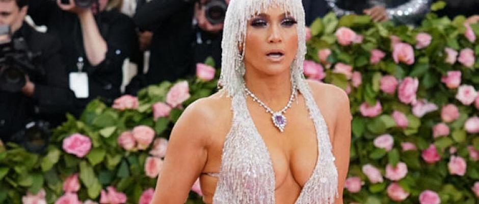 Elli bir yaşındaki iki çocuk annesi Jennifer Lopez, hayalini gerçekleştirdi