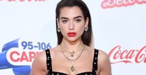 Şarkıcı Dua Lipa, Antalya'da konser verdi