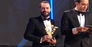 Yılın En İyi Genç İşadamı Ödülü...
