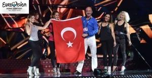Eurovision Şarkı Yarışması'nda San Marino'yu temsil edecek olan Türk şarkıcı