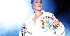 Şarkıcı Derya Uluğ#039;un 3 Temmuz...