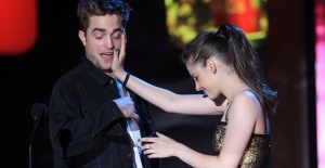 Kristen Stewart#039;tan Robert Pattinson...
