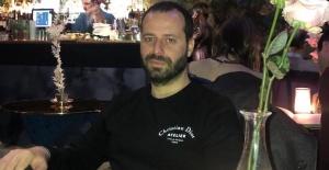 KKTC'nin ünlü işadamı Akan Oza'ya Londra'da sürpriz doğumgünü