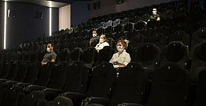 Türkiye genelindeki 2 bin 400 sinema...