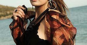 Cansel Kaya, 'Sensizlikten' isimli ilk single'ını çıkardı