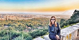 Arzu Dede'nin Yazı Beklerken isimli ilk albümü müzik piyasasında