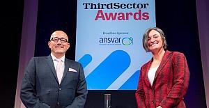 Kıbrıs Türk Toplum Merkezi TCCA, 2021 yılının Ön Safta Çalışan En İyi Ekibi kategorisindeki ödülü aldı