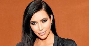 Kim Kardashian'ın siyah elbisesi sosyal medyayı salladı