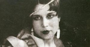 Atatürk Tarafından Sesi Takdir Edildi, İsmet İnönü'nün Karşısında Opera Seslendirdi