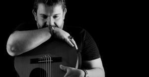 Mustafa Akay Müzik Dünyasına Beyaz Güvercin Uçuruyor