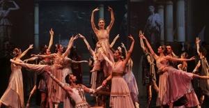 DOB sanatçıları yurt dışında Türkiye'nin gururu oldu