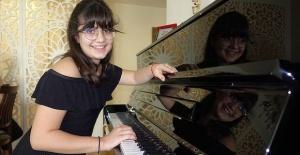 Genç piyanist İdil Atlıer yeni ödüller peşinde