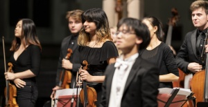 Apollo Filarmoni Orkestrası'yla romantik dönem
