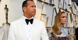 Jennifer Lopez'in düğünü de korona kurbanı
