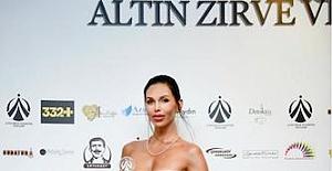 Türkiye'nin En İyi Yabancı Modeli Ödülü Yanita Schmidt