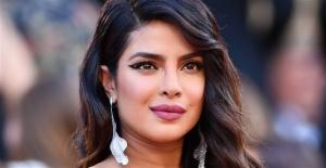 Priyanka Chopra'ya UNICEF'ten yardımseverlik ödülü