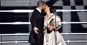 Rihanna ile Drake yeniden birlikte