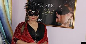 Derya Şen, Dark'n Dark müzik logosu altında Zulmet isimli şarkısıyla müzik dünyasına ilk adımını attı