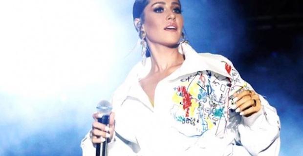 Şarkıcı Derya Uluğ'un 3 Temmuz paylaşımından dolayı Akçaabat konseri iptal edildi