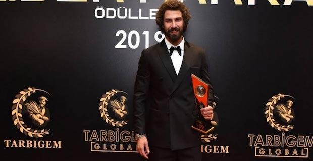 Yılın en iyi erkek oyuncusu Furkan Palalı oldu