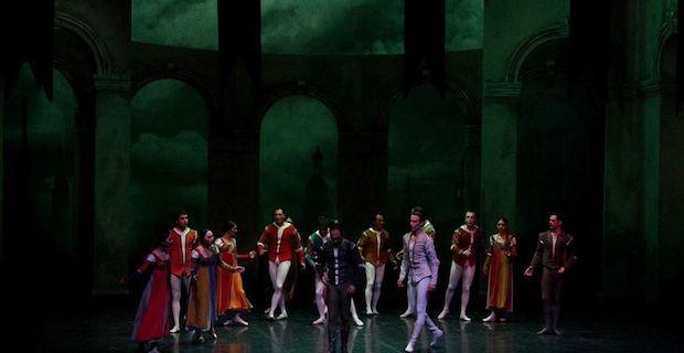 Antalya Devlet Opera ve Balesi 'Romeo ve Juliet'i sahneledi