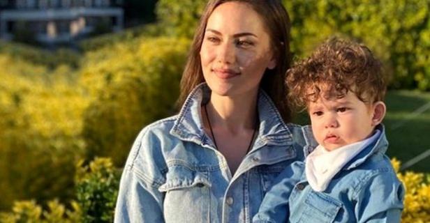 Fahriye Evcen'in oğlu Karan'la olan Anneler Günü pozuna beğeni yağdı