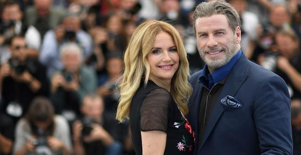 John Travolta'nın eşi kanserden hayatını kaybetti